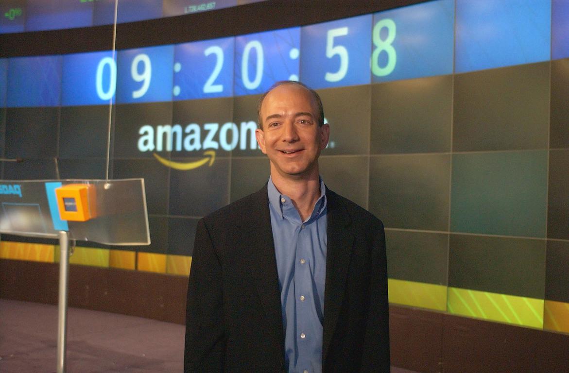 Рыночная стоимость компании Amazon превысила $1 трлн