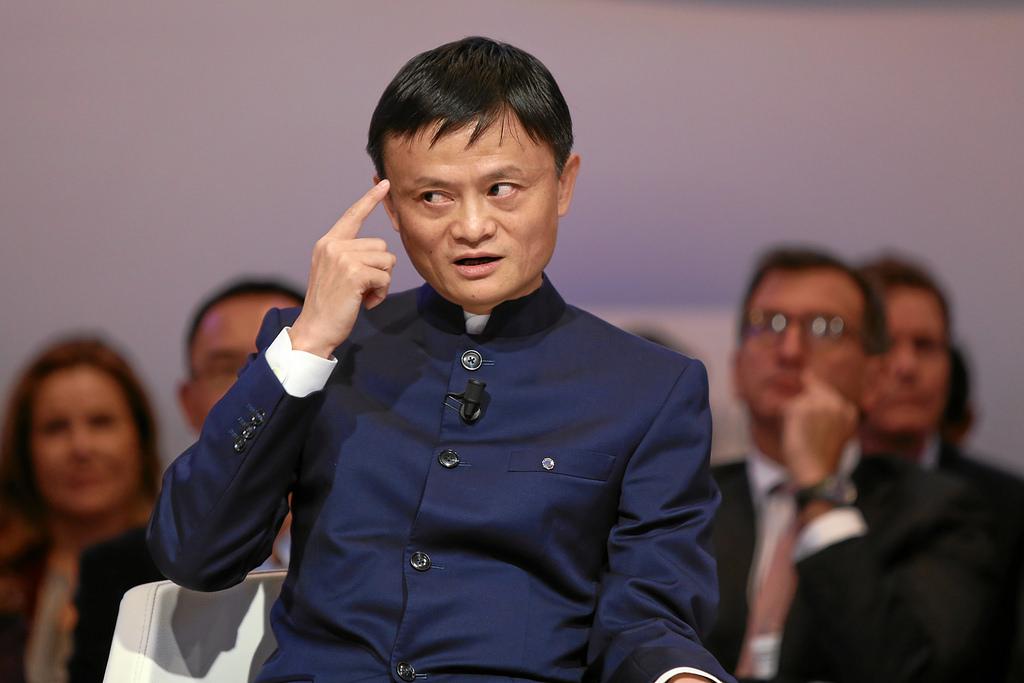 Как бедный учитель стал самым богатым человеком Азии
