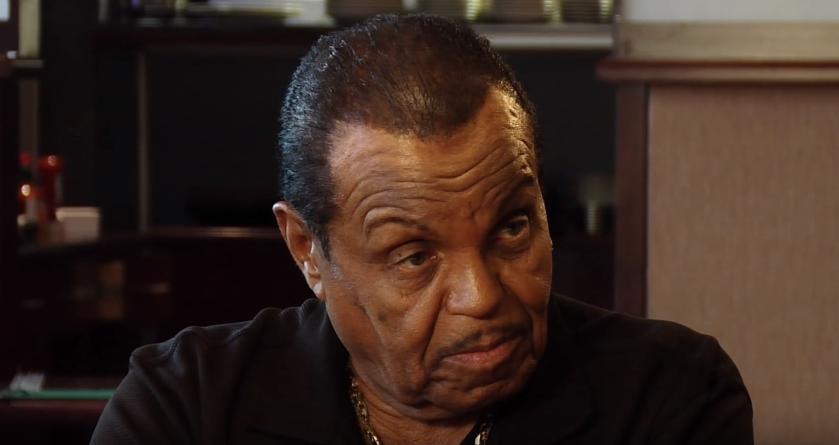Отец Майкла Джексона призвал Куинси Джонса ответить за свои слова