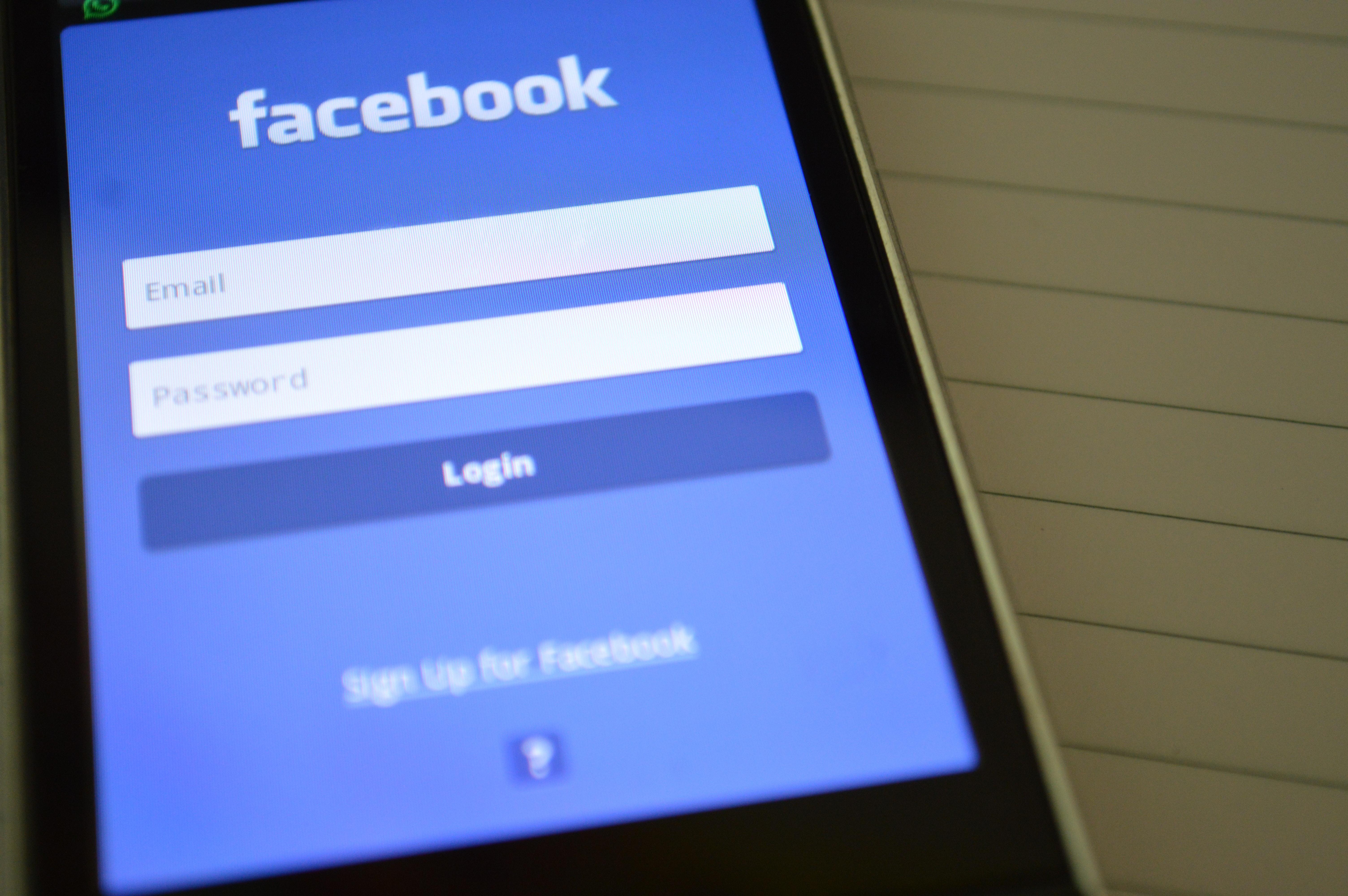 Facebook представил новую антифейковую функцию. Пока только в США