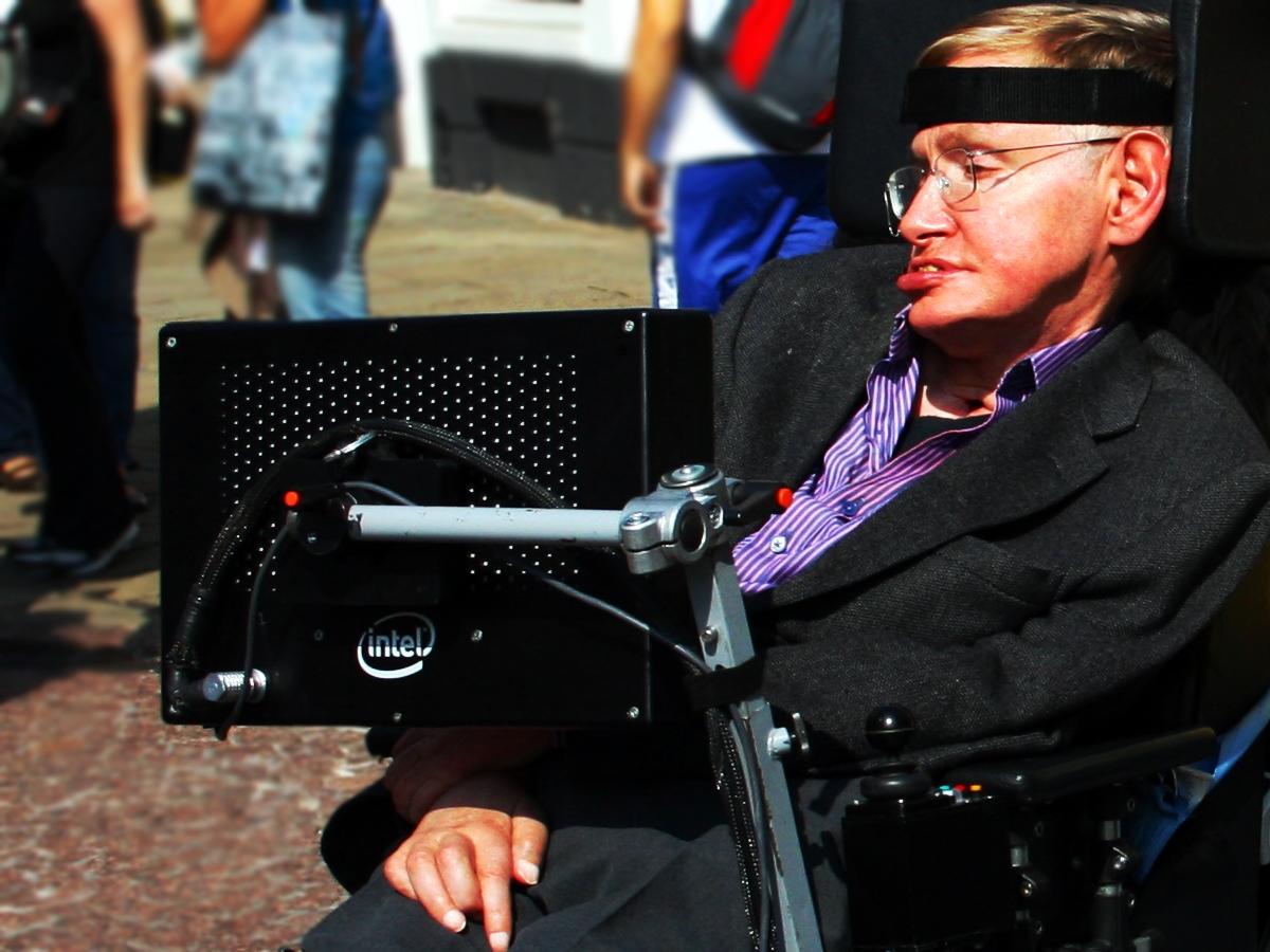 Ушел из жизни британский физик Стивен Хокинг