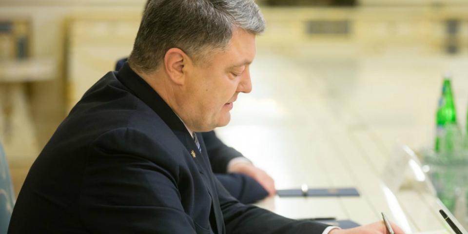 Порошенко поручил заблокировать Mail.ru, «Яндекс», «ВКонтакте» и «Одноклассники»