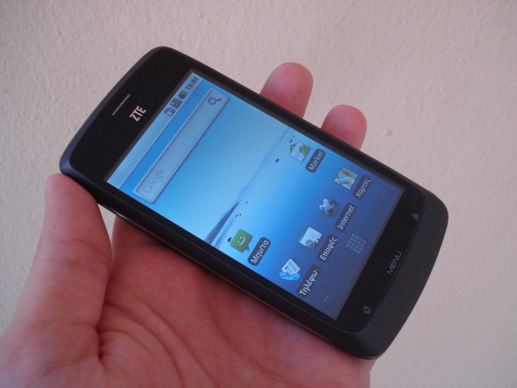Смартфоны ZTE стали первой жертвой «холодной войны» между Китаем и США