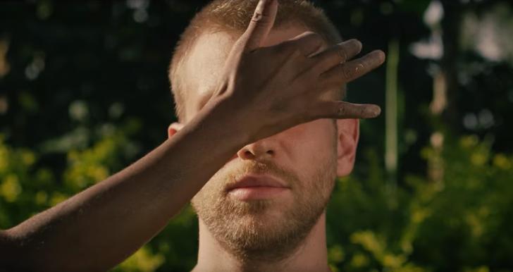 «Пятиминутная вакханалия»: поклонники в восторге от африканского клипа Ивана Дорна