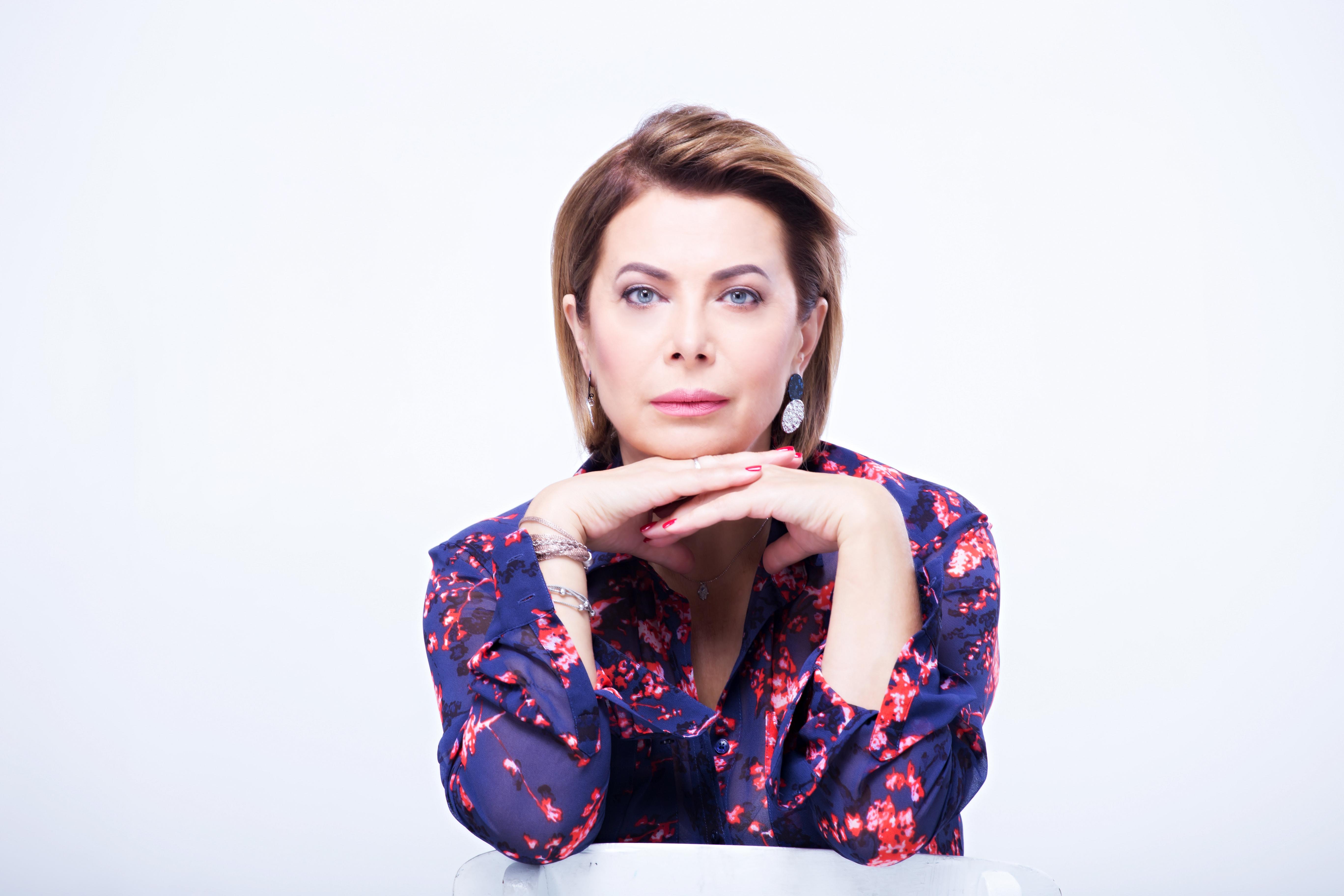 Под небом голубым: генпродюсер ZIK Наталья Влащенко выпустила очередную книгу