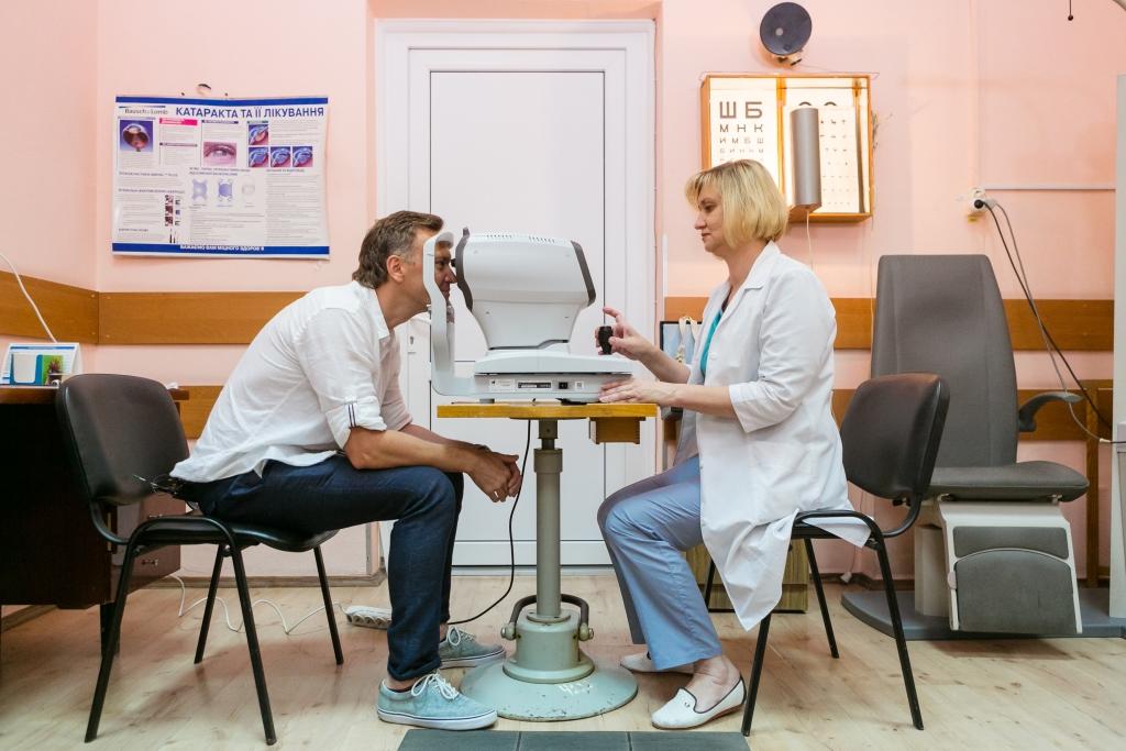 Фонд «Интер – детям» собрал деньги на аппаратуру для микрохирургии глаза