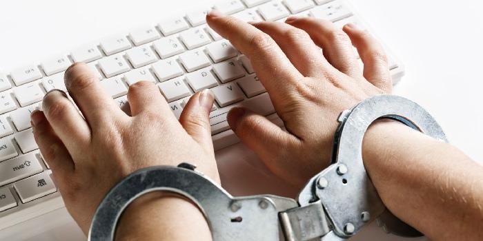 Ведущие британские СМИ предлагают правительству регулировать контент в соцсетях
