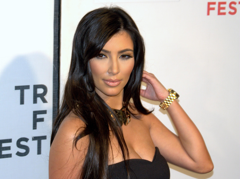Ким Кардашьян снова разделась ради откровенной фотосессии