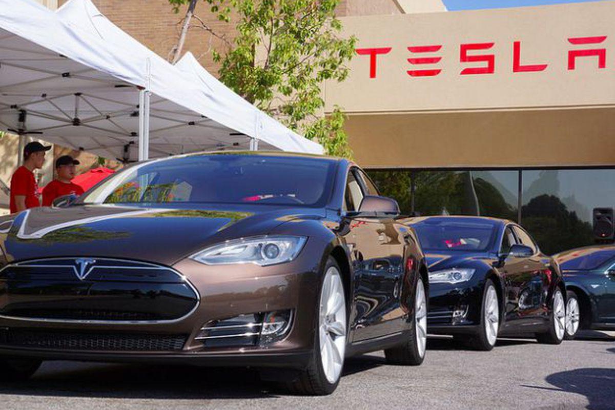 Илон Маск хочет сделать компанию Tesla частной