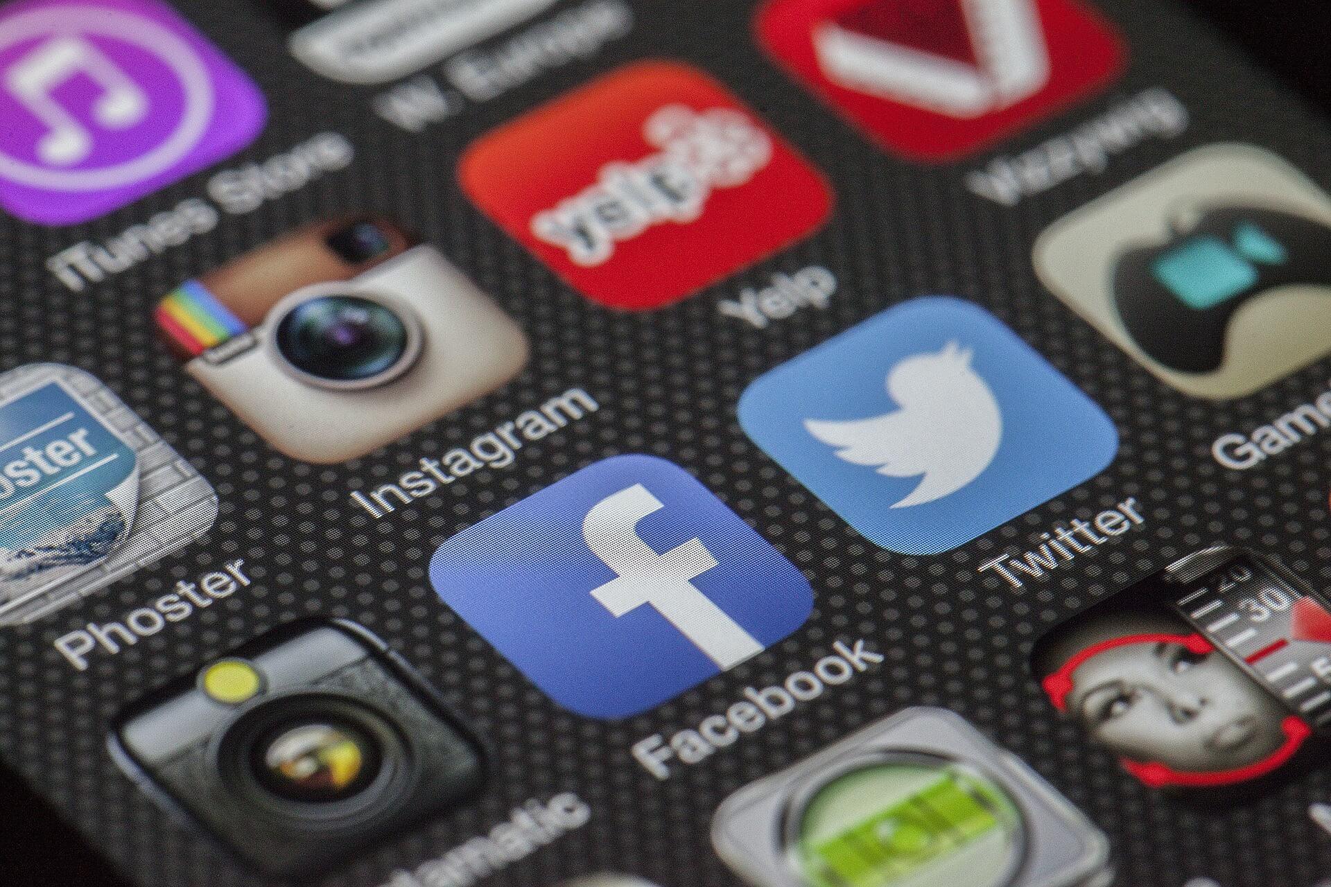 В Facebook удалили сотни аккаунтов, связанных c пропагандистским Sputnik и фейками об Украине