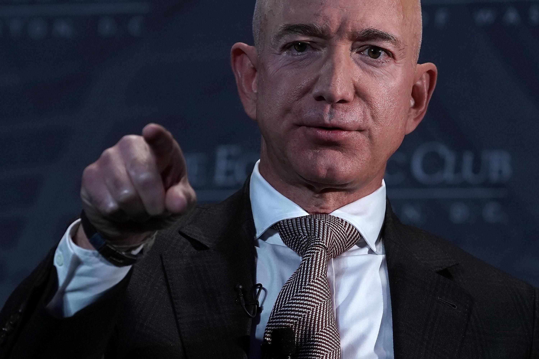 🕵️♂️ Засновник Amazon Джефф Безос звинувачує жовту пресу в шантажі