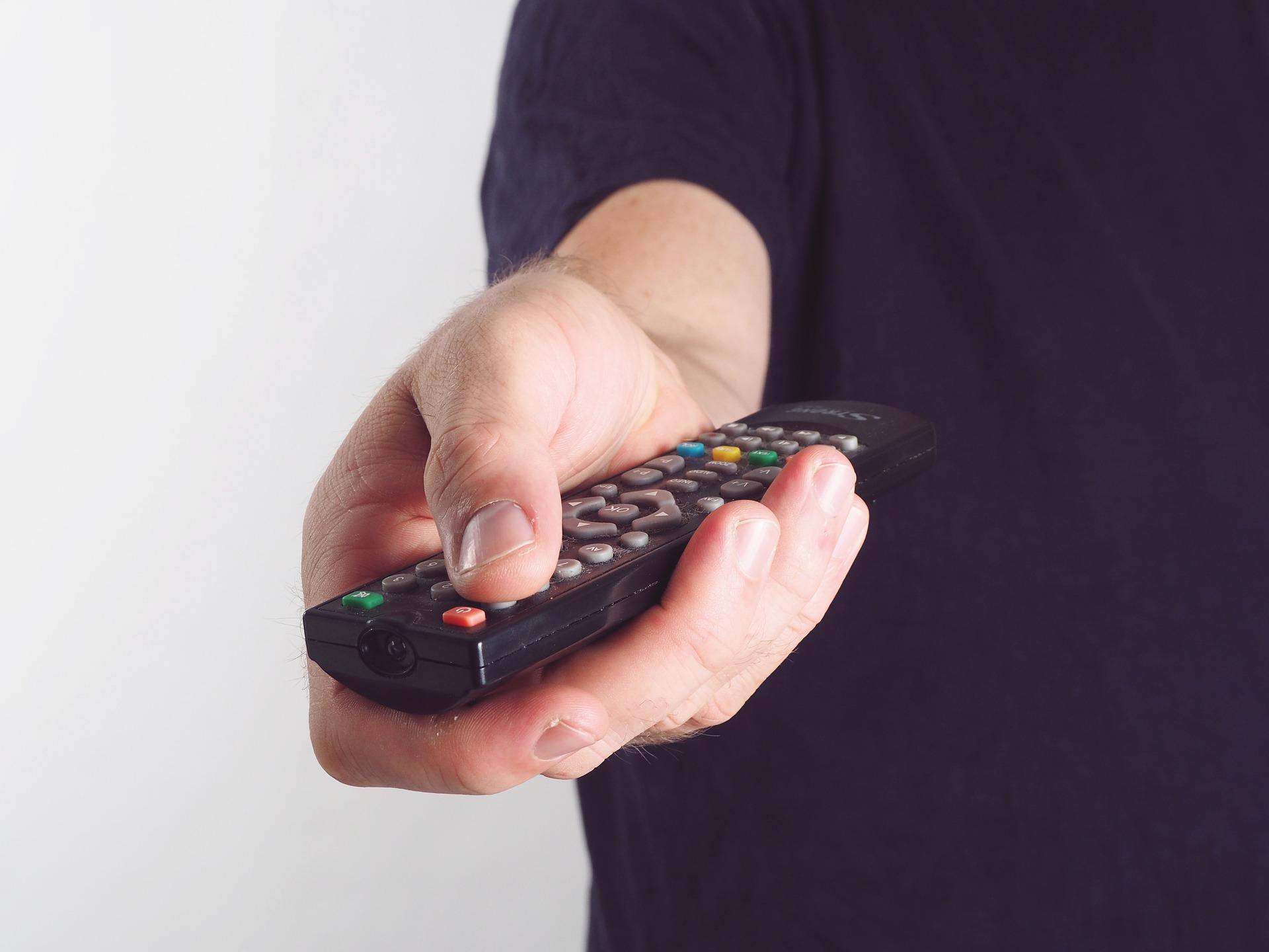 🔥 «Медиа Группа Украина» передала OLL.TV в управление Vega