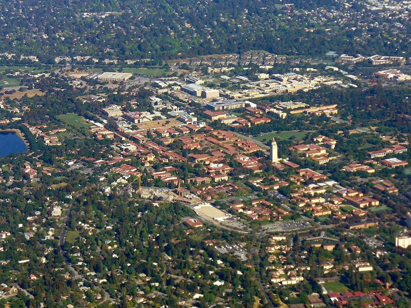 🥇 Стэнфорд лидирует в рейтингах лучших бизнес-школ