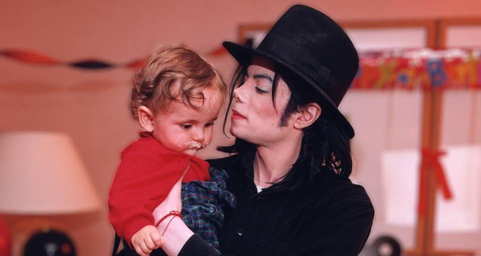 🔥 BBC Radio 2 исключила из ротации Майкла Джексона из-за педофилии