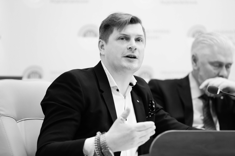 📻 Radio JAZZ і «Прямий ФМ»: перемога з ознаками корупції