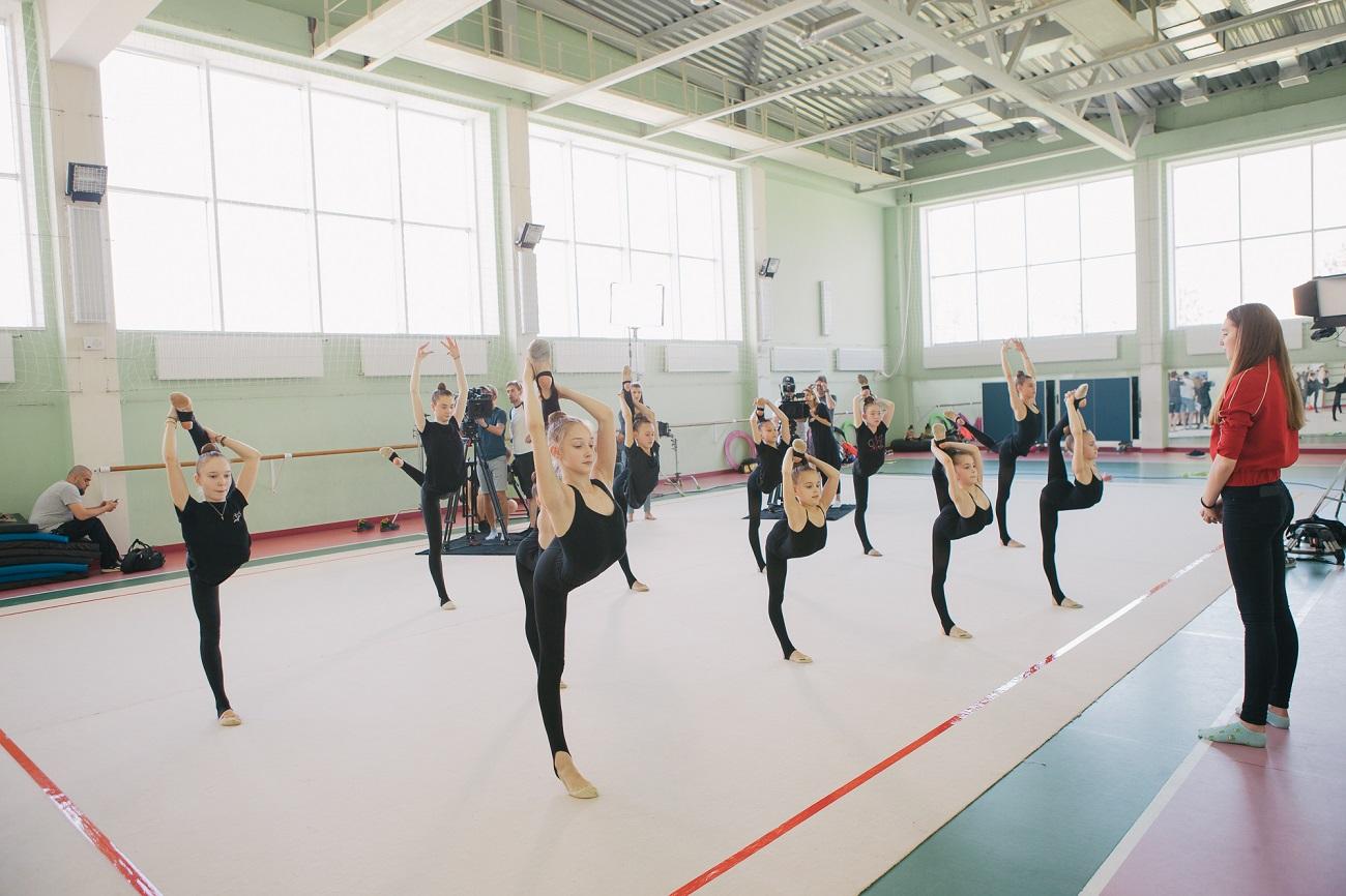На «1+1» стартували зйомки міні-серіалу про гімнастку з розбитим серцем