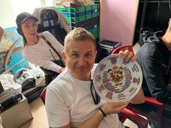 ▶ ?У Києві стартували зйомки україномовної комедії «Великі Вуйки»