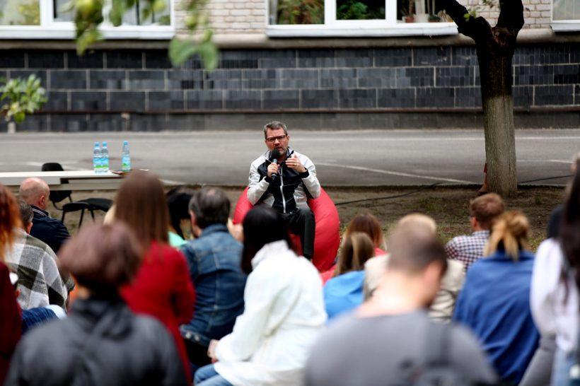 Михайло Царьов: «У StarLightMedia була присутня клановість»
