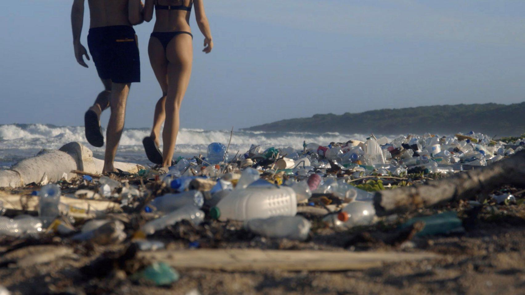 Pornhub випустив відео на підтримку очищення світового океану