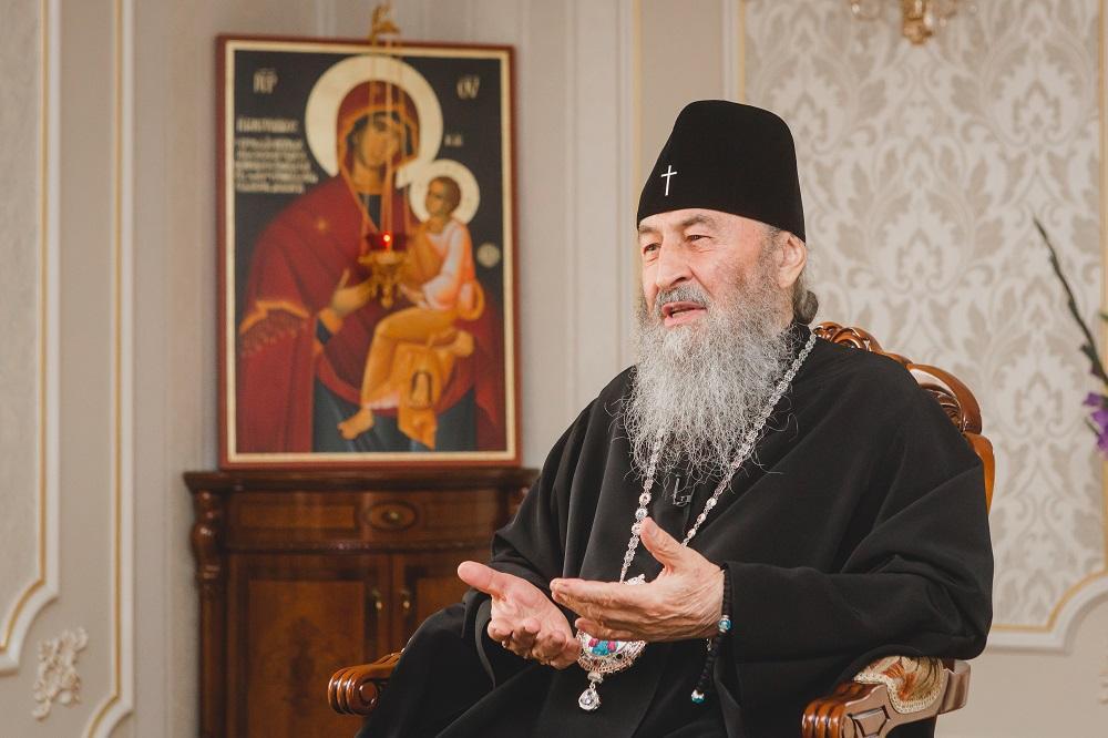 Телерейтинги: «Рождественские истории» Тины Кароль и «батл» православных церквей